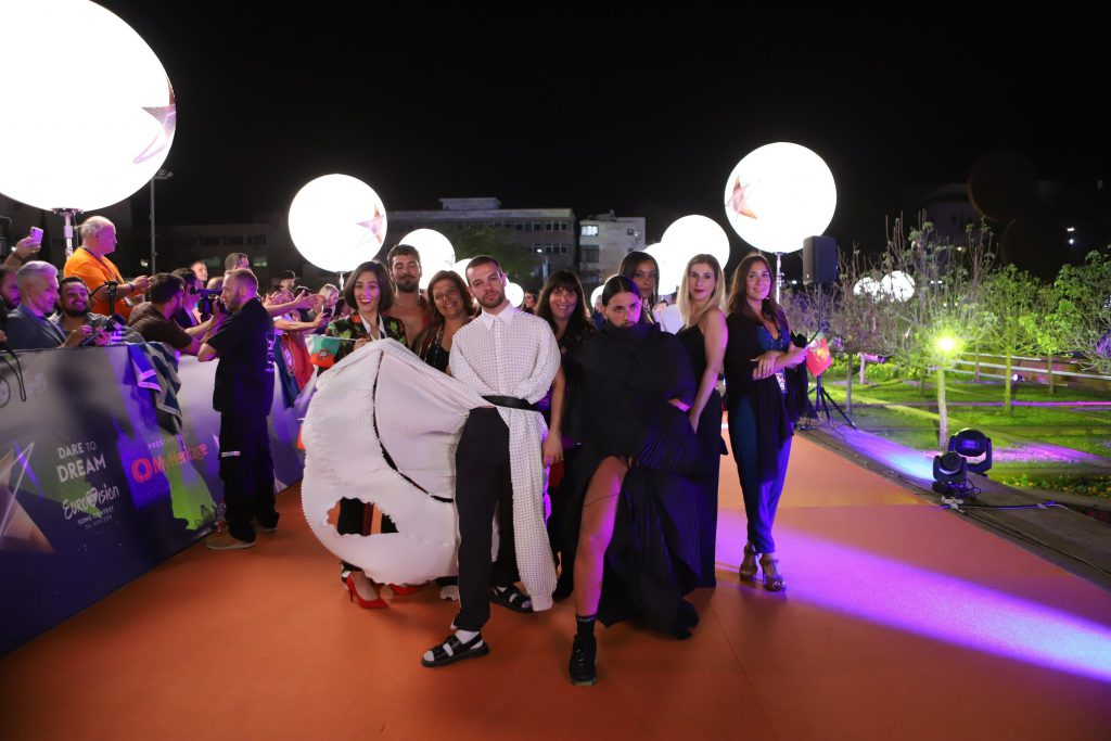 Conan und sein Team auf dem Orange Carpet | Foto: Thomas Hanses, EBU